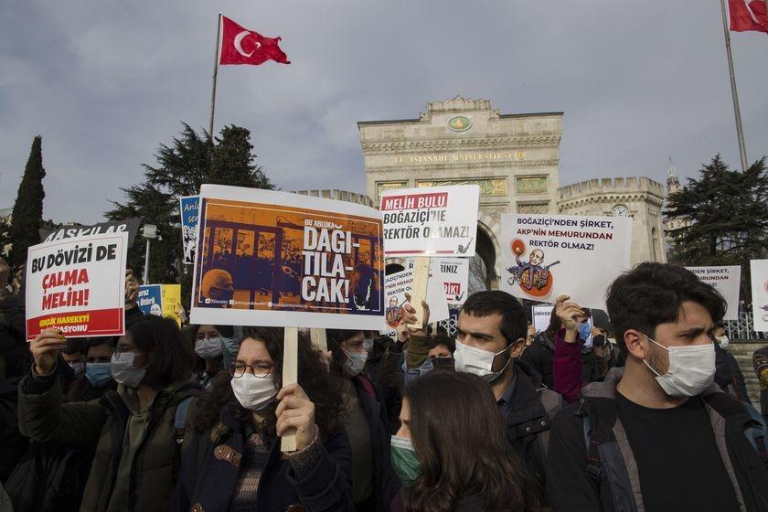 Solidaritat  amb les companyes de la Universitat del Bòsfor